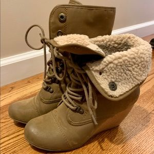 Blowfish boots wedges size 7